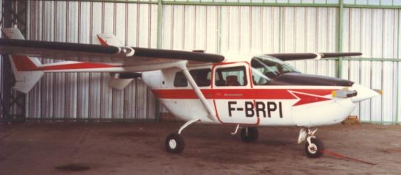 Cessna Skymaster Photos and Aircraft Magazine Scans